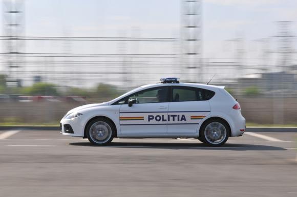 963_cea-mai-puternica-masina-a-politiei-rutiere-destinate-patrularii-autostrazii